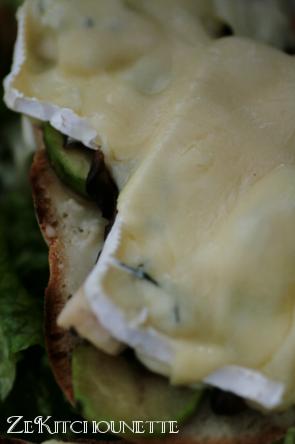 bruschetta camembert courgette