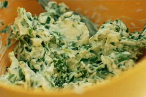 mélange fromage et herbes