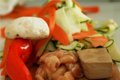 ingrédients pour tagliatelles de légumes au tofu