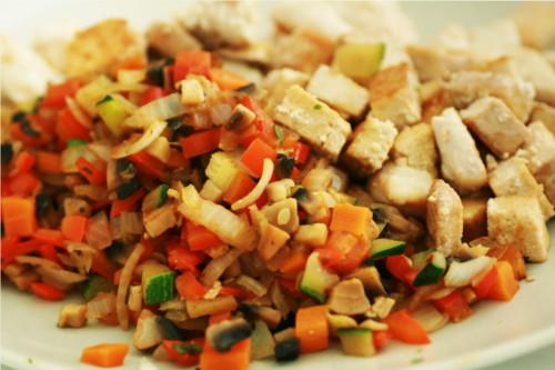 poulet et sauce légumes