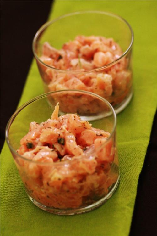 Tartare de saumon au poivre vert