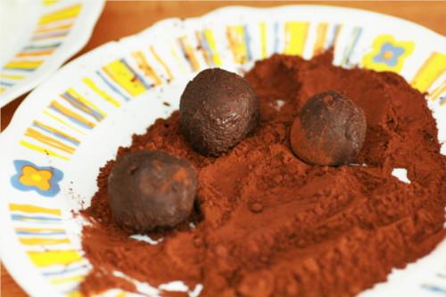 truffes roulées dans le cacao