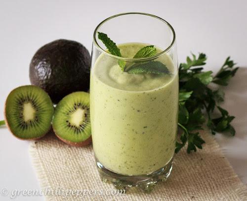 smoothie vert avocat kiwi (paleo)