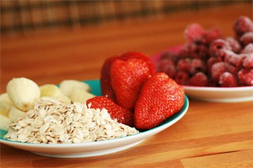 ingrédients smoothie fraise et framboises