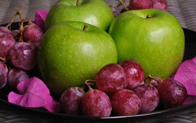 fruits frais pomme raisin