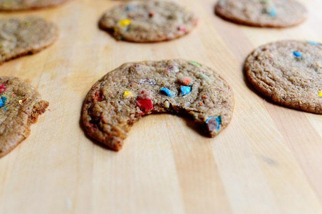 cookies M&M's version plate
