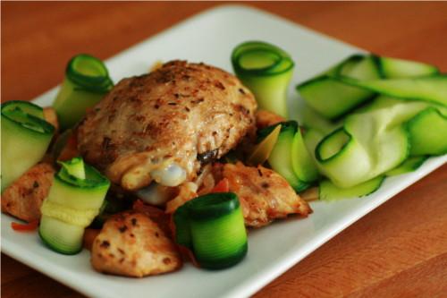 poulet épicé tagliatelles courgettes