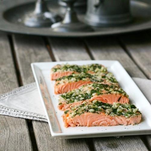salmon en croute d'herbes fraîches (paleo)